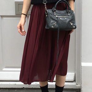 H&M Burgundy Pleated skirt